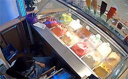 Продажа мороженого в ТЦ «Щелково» (Москва)