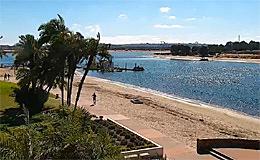 Веб камера Сан-Диего. Пляж и набережная у отеля San Diego Mission Bay Resort (США)